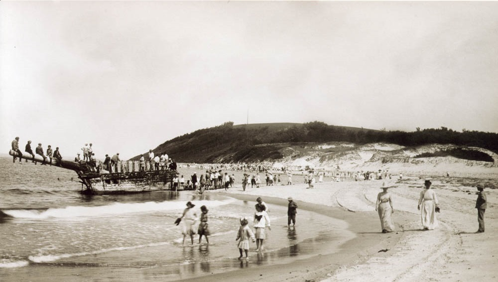 In The Castle Hill Collection We Have Many Photos Of Annual Crane Beach Picnic Was First Held 1911 To Celebrate Cornelius S Sixth